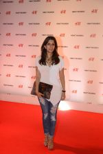 at h&m mubai launch on 11th Aug 2016 (69)_57af35385e13f.JPG