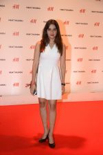 at h&m mubai launch on 11th Aug 2016 (8)_57af35078cd1e.JPG