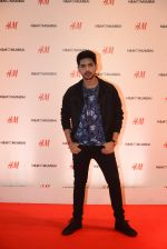 at h&m mubai launch on 11th Aug 2016 (89)_57af3546a1265.JPG