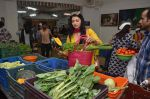 Bhagyashree inaugurated the Juhu Organic Farmer_s Market on 14th Aug at Jamnabai Narsee School (2)_57b055ab99951.jpg
