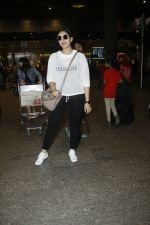 Huma Qureshi snapped at airport on 13th Aug 2016(36)_57b057fc81c34.JPG