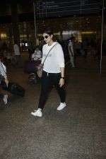 Huma Qureshi snapped at airport on 13th Aug 2016(42)_57b0581b4696d.JPG