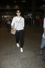 Huma Qureshi snapped at airport on 13th Aug 2016(43)_57b0581eccc78.JPG