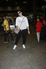 Huma Qureshi snapped at airport on 13th Aug 2016(45)_57b05826753bd.JPG