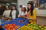 Urvashi Thacker, Meera Sheth & Bhagyashree inaugurated the Juhu Organic Farmer_s Market on 14th Aug at Jamnabai Narsee School (2)_57b055b8cf524.jpg