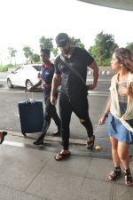 John Abraham snapped at airport in Mumbai on 14th Aug 2016 (23)_57b12776ee1c7.JPG