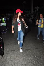 Neha Dhupia snapped at airport in Mumbai on 14th Aug 2016(36)_57b1279cdabd7.JPG