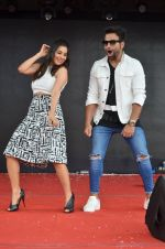 Sophie Choudry, Rithvik Dhanjani at NM college Umang fest in Mumbai on 14th Aug 2016 (18)_57b129fbcc255.JPG