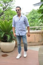 Akshay Kumar on Rustom success on 15th Aug 2016 (3)_57b2b71b9b9b0.JPG