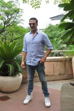 Akshay Kumar on Rustom success on 15th Aug 2016 (5)_57b2b71e85048.JPG