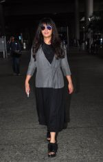 Richa Chadda snapped at airport on 15th Aug 2016 (24)_57b2b33f9ea5a.JPG