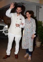 Sharmila Tagore at Saif Ali Khan_s bday Bash in Mumbai on 15th Aug 2016 (35)_57b2c1398544d.JPG