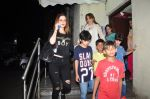 Suzanne kHan snapped with kids at pvr on 15th Aug 2016 (13)_57b2b35f38887.JPG