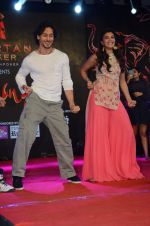 Tiger Shroff and Jacqueline Fernandez promote The Flying Jatt at Umang festival on 15th Aug 2016 (68)_57b2ba04073bf.JPG