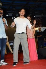 Tiger Shroff and Jacqueline Fernandez promote The Flying Jatt at Umang festival on 15th Aug 2016 (73)_57b2b9614c9a6.JPG