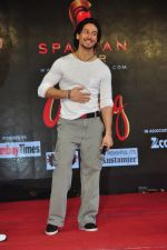 Tiger Shroff promote The Flying Jatt at Umang festival on 15th Aug 2016 (7)_57b2ba0fa03f7.JPG