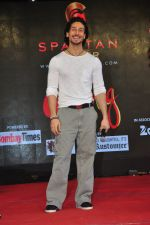 Tiger Shroff promote The Flying Jatt at Umang festival on 15th Aug 2016 (8)_57b2ba11c2f18.JPG