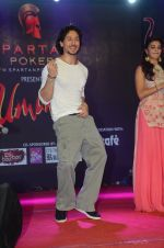 Tiger Shroff promote The Flying Jatt at Umang festival on 15th Aug 2016 (93)_57b2ba2027c41.JPG
