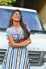 Jacqueline Fernandez snapped in Mumbai on 16th Aug 2016 (6)_57b3d8246ba1e.jpg
