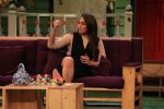 Sonakshi Sinha on the sets of The Kapil Sharma Show on 16th Aug 2016 (28)_57b3ee8521f2a.JPG