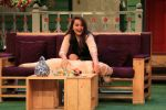 Sonakshi Sinha on the sets of The Kapil Sharma Show on 16th Aug 2016 (48)_57b3ee97b9163.JPG