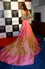 at Manish Malhotra Lakme preview in Mumbai on 16th AUg 2016 (56)_57b3e7c9731b6.JPG
