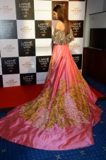 at Manish Malhotra Lakme preview in Mumbai on 16th AUg 2016 (57)_57b3e7cc8454b.JPG
