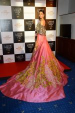 at Manish Malhotra Lakme preview in Mumbai on 16th AUg 2016 (58)_57b3e7cea521f.JPG