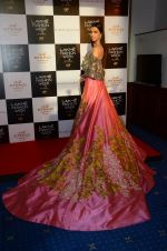 at Manish Malhotra Lakme preview in Mumbai on 16th AUg 2016 (59)_57b3e7d1252c0.JPG