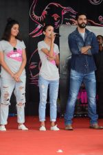 Angad Bedi, Kirti Kulhari, Andrea Tariang at Pink promotions in Umang fest on 17th Aug 2016 (155)_57b572586ced6.JPG