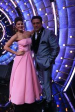 Jacqueline Fernandez, Govinda on the sets of Jhalak Dikhhla Jaa 9 on 17th Aug 2016 (12)_57b57b9b86b00.JPG
