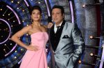 Jacqueline Fernandez, Govinda on the sets of Jhalak Dikhhla Jaa 9 on 17th Aug 2016 (171)_57b5586065ac5.JPG