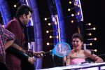 Jacqueline Fernandez, Govinda on the sets of Jhalak Dikhhla Jaa 9 on 17th Aug 2016 (5)_57b57b8e39e5d.JPG