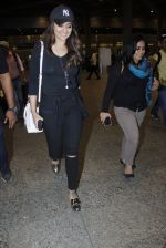 Sonakshi Sinha snapped at airport on 17th Aug 2016 (1)_57b5554f36937.JPG