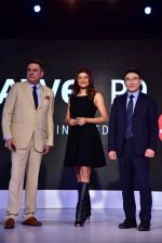 Sushmita Sen, Boman Irani at FDCI event to announce new phone on 17th Aug 2016 (33)_57b555e79d41c.jpg