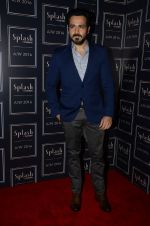 Emraan Hashmi at Splash Dubai new collection launch on 21st Aug 2016 (1)_57baa6ff6edbd.JPG