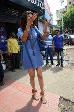 Shilpa Shetty snapped with family for lunch on 21st Aug 2016 (16)_57baca815335e.JPG