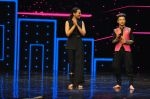 Sonakshi Sinha on the sets of Dance plus 2 on 21st Aug 2016 (34)_57bacb0698d73.JPG