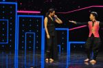 Sonakshi Sinha on the sets of Dance plus 2 on 21st Aug 2016 (35)_57bacb07aa0f4.JPG