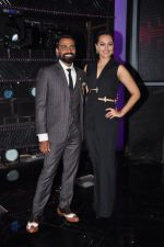 Sonakshi Sinha on the sets of Dance plus 2 on 21st Aug 2016 (4)_57bacaecb6163.JPG