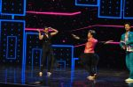 Sonakshi Sinha on the sets of Dance plus 2 on 21st Aug 2016 (40)_57bacb0cd87ec.JPG