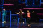 Sonakshi Sinha on the sets of Dance plus 2 on 21st Aug 2016 (42)_57bacb0f67097.JPG