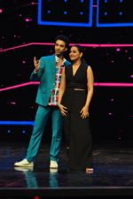 Sonakshi Sinha on the sets of Dance plus 2 on 21st Aug 2016 (50)_57bacb15cc4d8.JPG