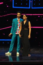 Sonakshi Sinha on the sets of Dance plus 2 on 21st Aug 2016 (51)_57bacb171b8eb.JPG