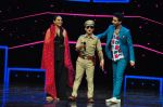 Sonakshi Sinha on the sets of Dance plus 2 on 21st Aug 2016 (64)_57bacb2104085.JPG