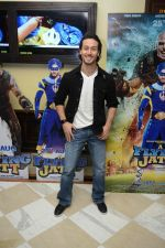 Tiger Shroff at the The Flying Jatt Press Conference in Delhi on 18th Aug 2016 (90)_57ba9882ccbd1.jpg