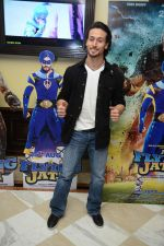 Tiger Shroff at the The Flying Jatt Press Conference in Delhi on 18th Aug 2016 (92)_57ba98855899d.jpg