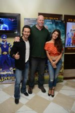 Tiger Shroff, Jacqueline Fernandez, Nathan Jones at the The Flying Jatt Press Conference in Delhi on 18th Aug 2016 (81)_57ba975ca50cc.jpg