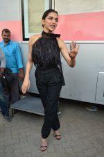 Deepika Padukone snapped at Vogue chat show in Mumbai on 22nd Aug 2016 (1)_57bc0e1976935.JPG