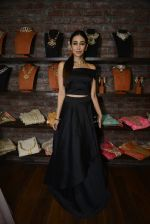 Karisma Kapoor at Amy Billimoria and Zevadhi Jewels launch on 22nd Aug 2016 (66)_57bc0cf8b908e.JPG